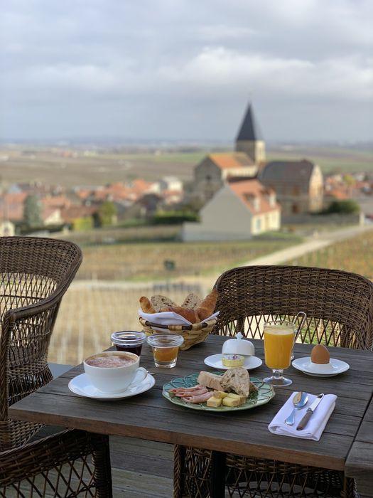 le petit dejeuner du chateau de sacy reims